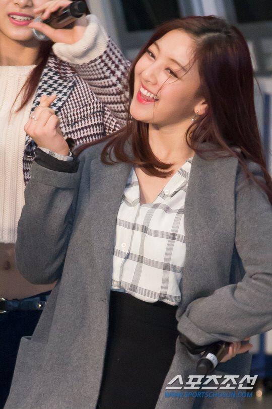 「JYP所属歌手と共に」に出演したTWICEジヒョ